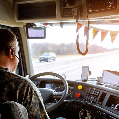Sin título-2_0000_driver-cabin-big-modern-truck